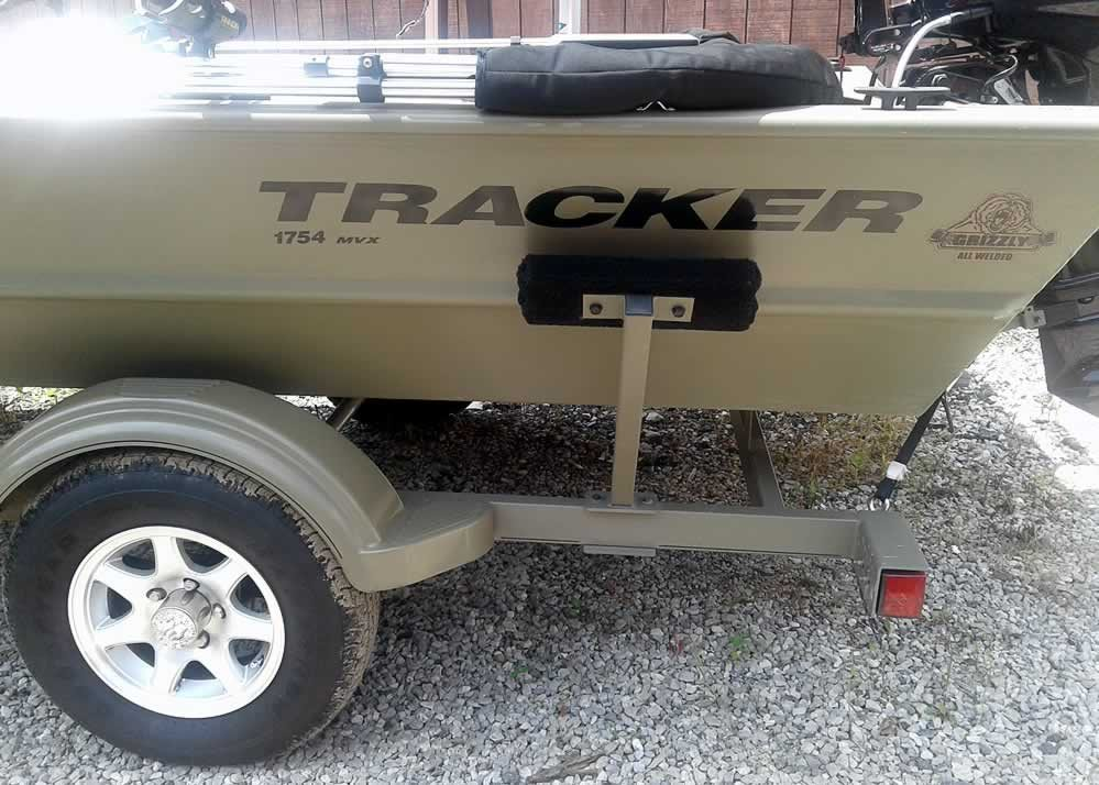 Tracker Grizzly 1754 MVX - Mercury 25 Four Stroke